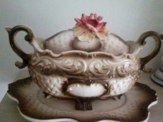 Sopera porcelana de CAPODIMONTE