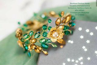 Pulsera Artesanal en color verde y dorado joya