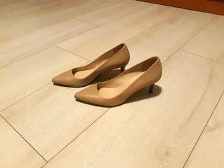 Zapatos de salón nude
