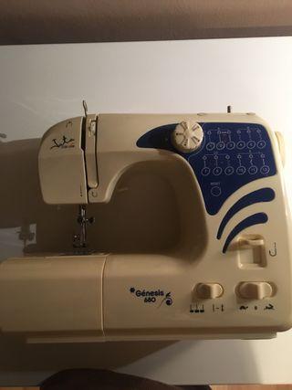 Máquina de coser Jata Génesis 680