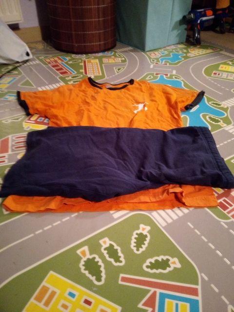 Pantalon y camiseta