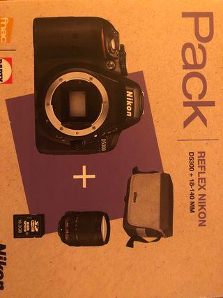 Nikon D5300 + 35mm 1.8 + 18-140 mm