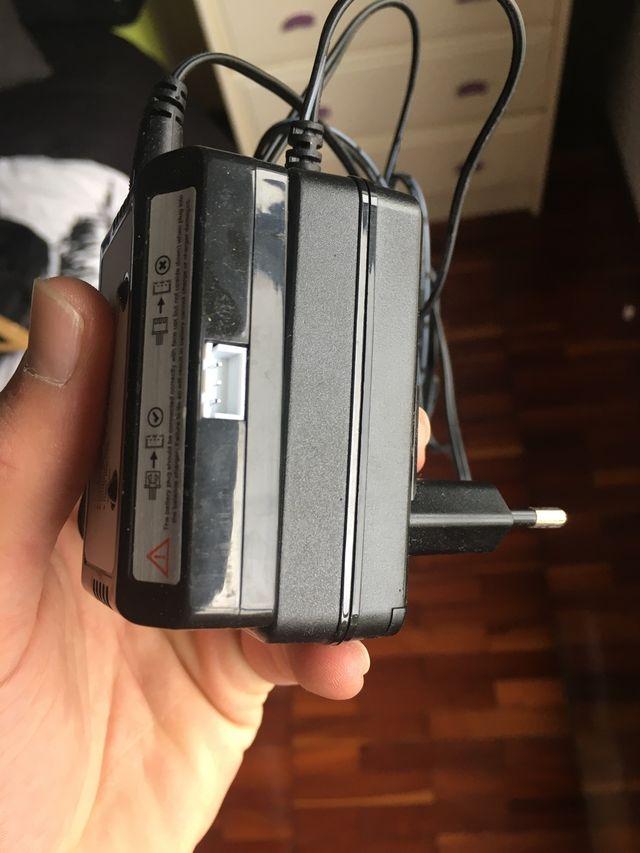 Escobillas, montura Gopro, mando y cargador dron