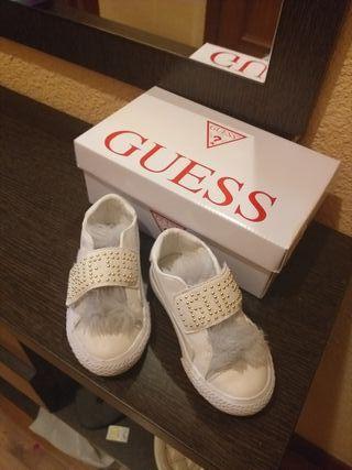 zapatos nuevos Guess
