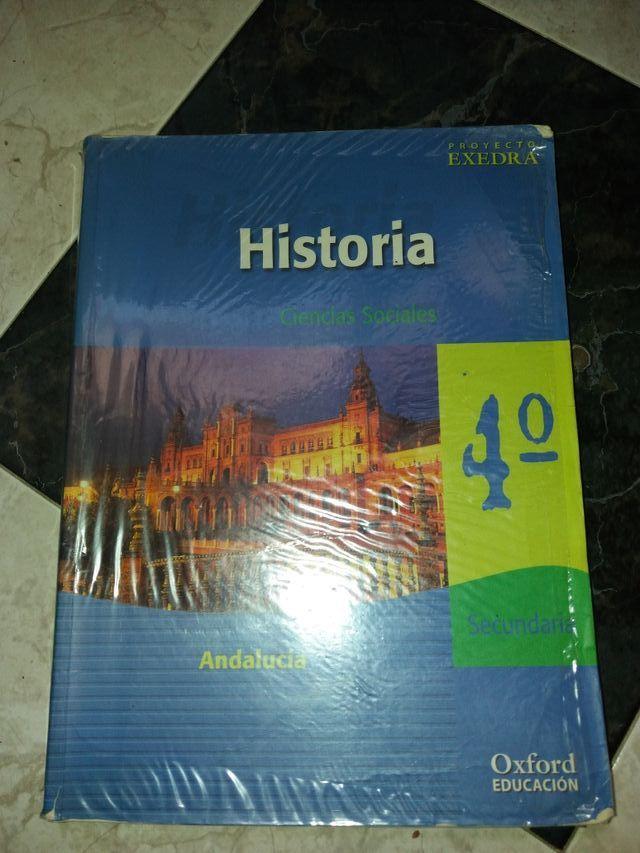 libro de lengua de mates y de historia de 4°