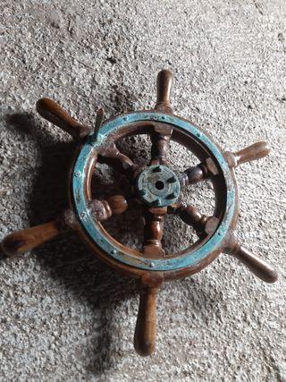 Timon barco pesquero