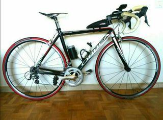 bici carretera con acoples, complementos y neopren