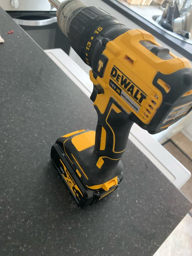 18v brushless dewalt combi with 4 amp battery