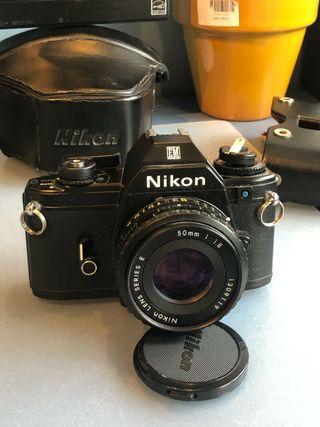 Nikon em + 50 1.8