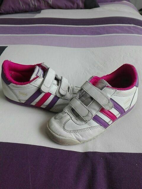 Zapatillas niña. Adidas dragon talla 27