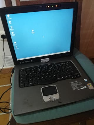 Portátil Acer travel mate