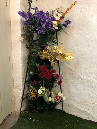Expositor rinconera flores