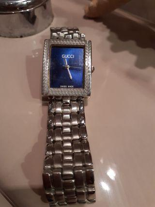 Vendo reloj de la marca Gucci Quartz ,