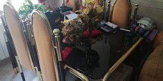 mesa y 5 sillas, rebajada ahora 180€