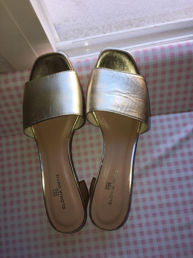 Sandalias de tacón Gloria Ortiz