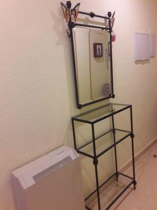 Recibidor con espejo de forja