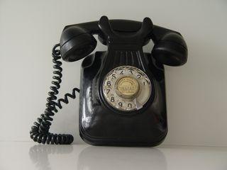 Teléfono pared vintage
