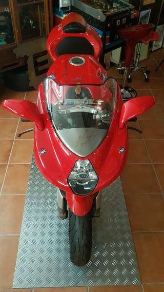 moto mv agusta 750cc