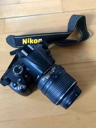 Cámara Réflex Digital Nikon D3000