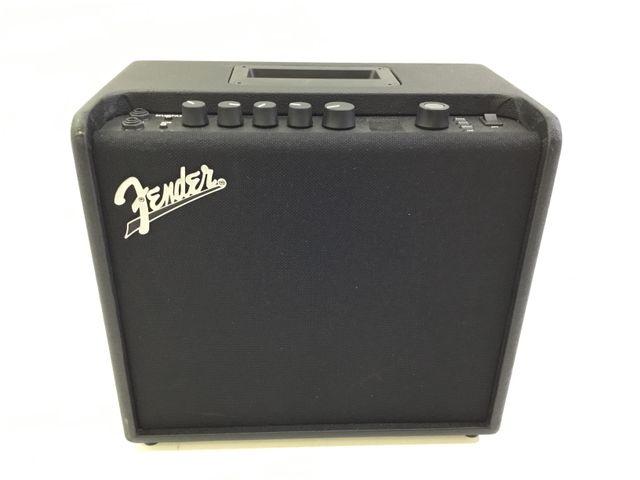 Amplifuicador de guitarra fender Mustang lt 25