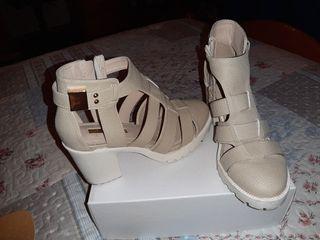 zapato tipo sandalia