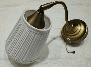 2 lámparas de pared en latón y blanco