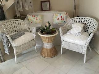 sillón con cojines mimbre ikea