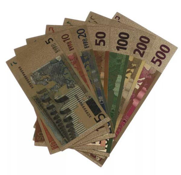 7 billetes de euros en oro placado