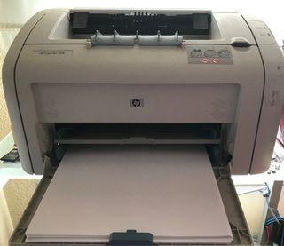 Impresora láser HP Laserjet 1018(AVERIADA)