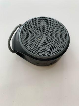 Altavoz logitech x100. Bluetooth. Negro