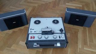 Magnetofón de bobina abierta. Estereo SONY TC 200