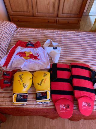 Equipo de kick boxing completo NUEVO