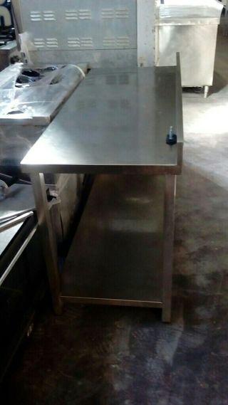 Mesa de acero 1.50 cm