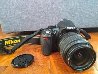 Cámara réflex Nikon D3100 en perfecto estado