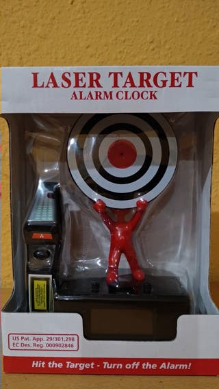 Reloj despertador con láser puteador