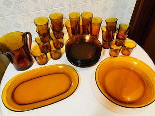 Vasos y platos Duralex