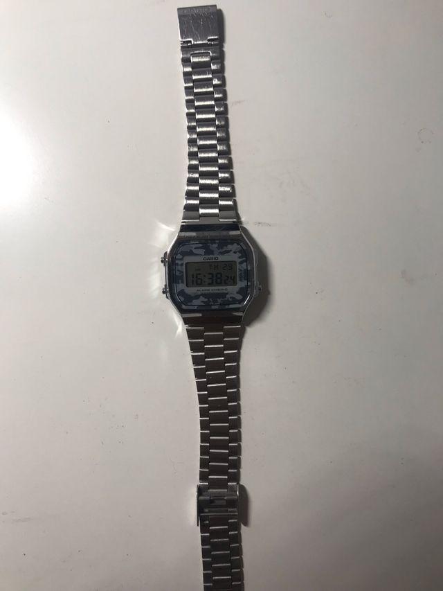 Reloj Casio Plateado