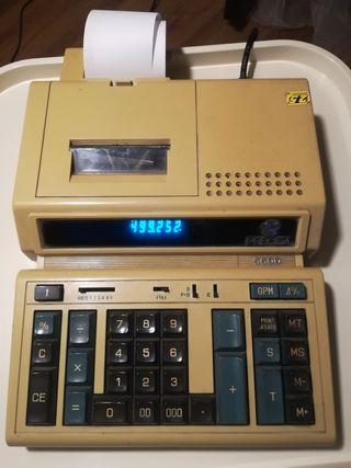 Calculadora registradora antigua