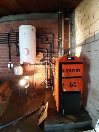 caldera para calefacción de doble combustión.
