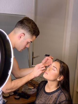 Estilista y maquillador a domicilio