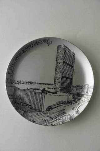 cenicero aluminio Naciones Unidas New York