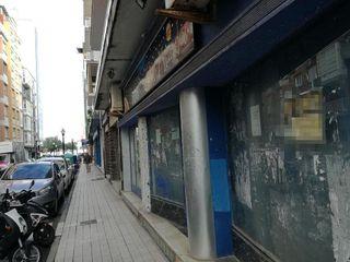 Local comercial en venta en La Arena en Gijón