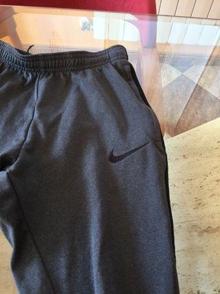 Pantalón chandal Nike niño.