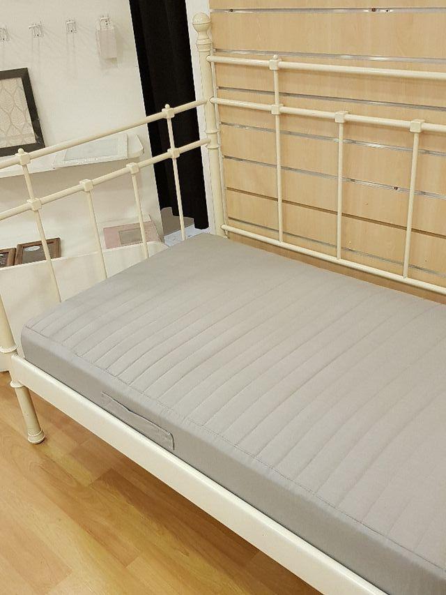 cama divan ikea