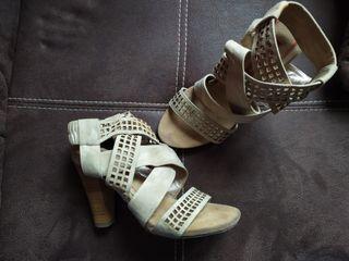 Zapatos sandalia de tacón