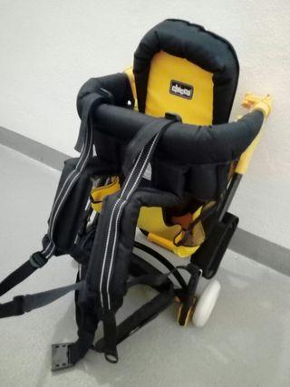 Mochila porta bebé con ruedas y parasol