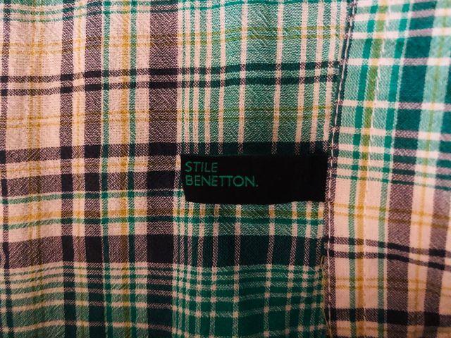 ponerse en cuclillas incidente Mendicidad  Camisa Cuadros Benetton de segunda mano por 5 € en Illescas en WALLAPOP