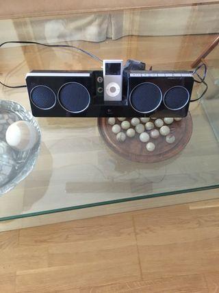 iPod nano 4 generación y altavoz