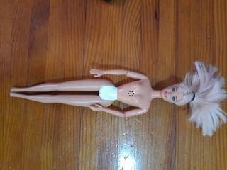 Barbie con pila