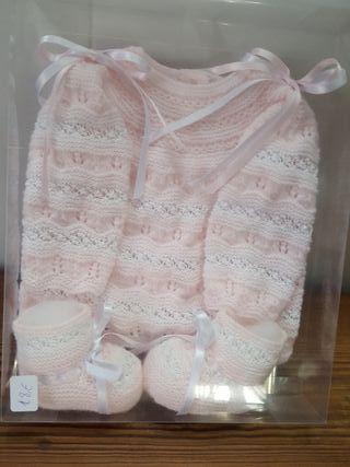 jersey recien nacido y botitas con caja